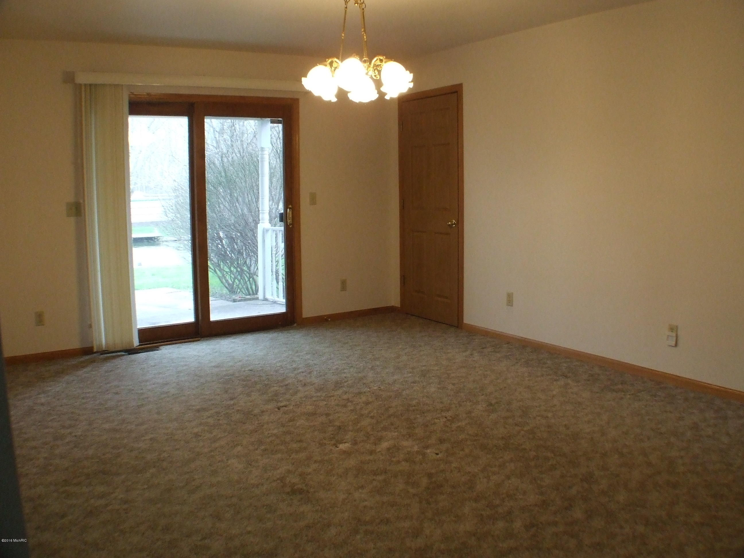 43460 Van Auken , Bangor, MI 49013 Photo 6