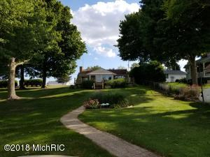 20880 Diamond Shores Cassopolis, MI 49031