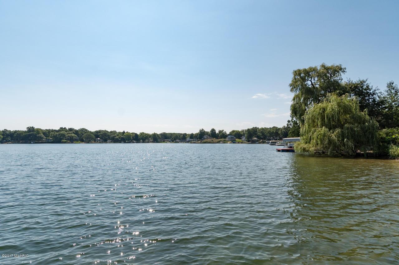 420 Crooked Lake , Kalamazoo, MI 49009 Photo 32