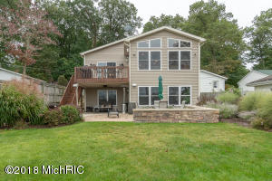 1611 S Crooked Lake Kalamazoo, MI 49009