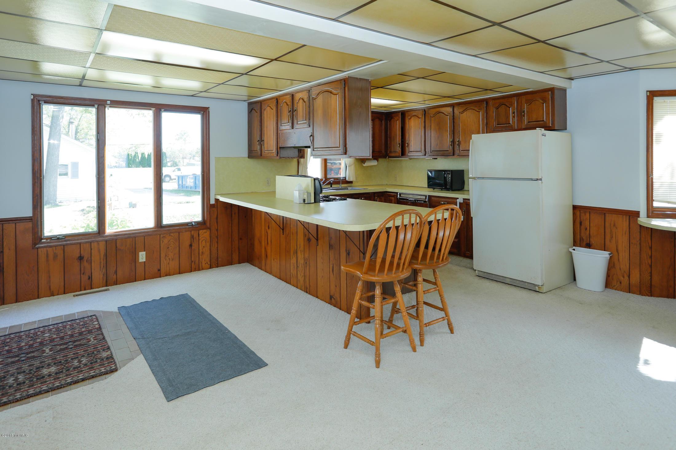 8842 E Long Lake , Scotts, MI 49088 Photo 12