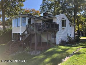 3119 Woodhams Portage, MI 49002