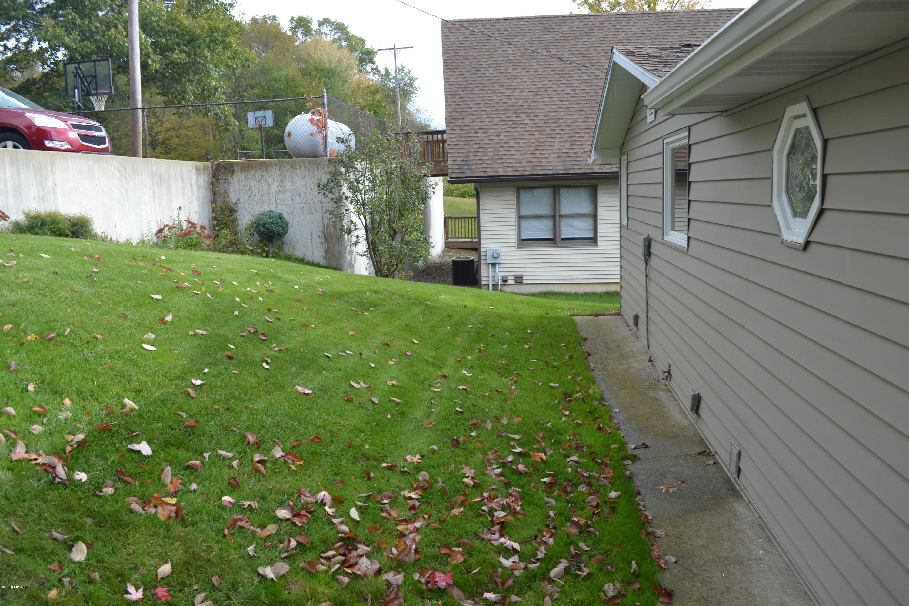 4911 Lakefront , Delton, MI 49046 Photo 4