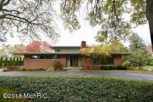 Property for sale at 2841 Woodcliff Circle, East Grand Rapids,  MI 49506