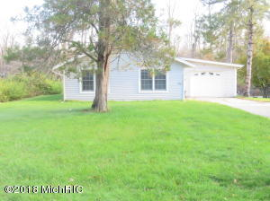 21750 Channel Edwardsburg, MI 49112