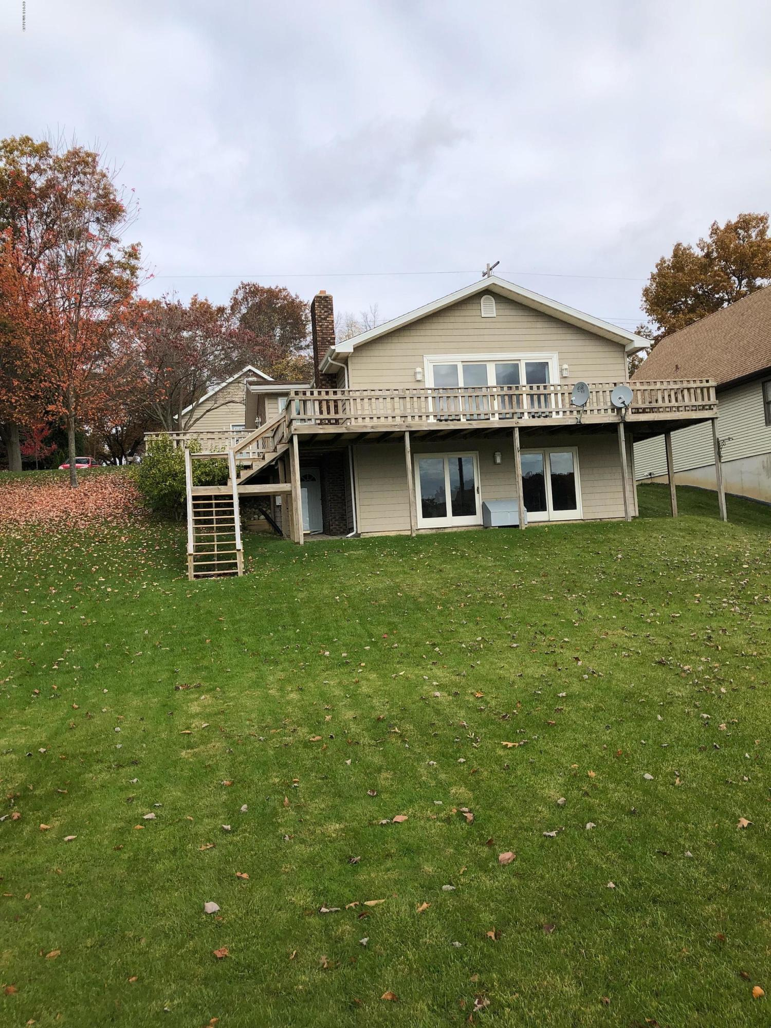4911 Lakefront , Delton, MI 49046 Photo 1