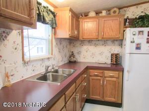 572 Maple Coldwater, MI 49036