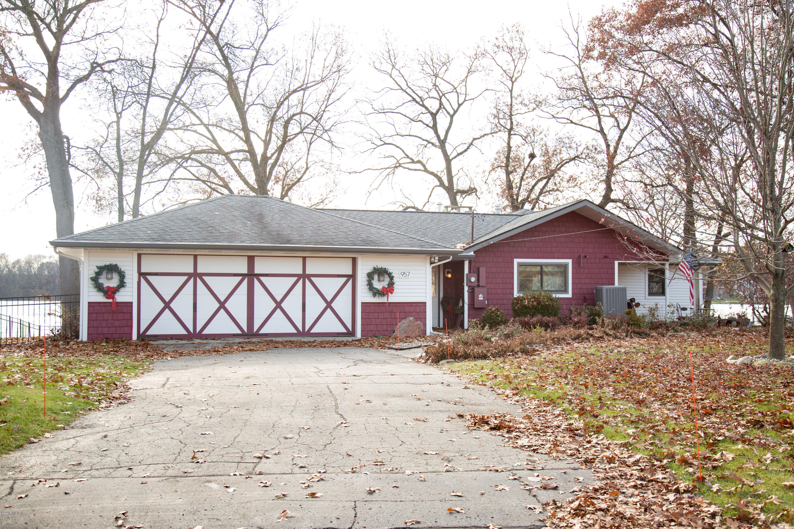 957 Treasure Island , Mattawan, MI 49071 Photo 18