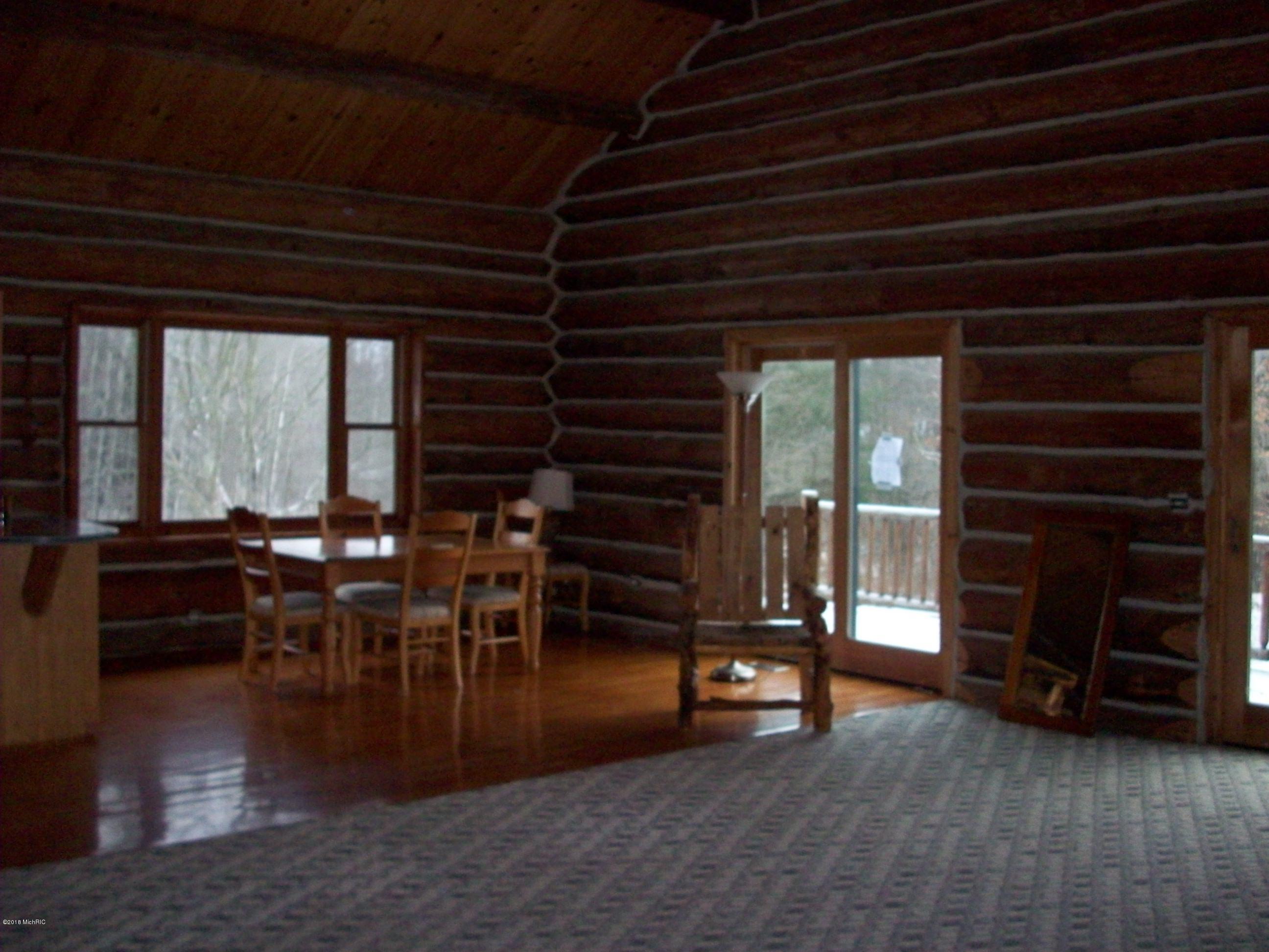 9334 Deer Lake Road, Reed City, Michigan 49677, 2 Bedrooms Bedrooms, ,2 BathroomsBathrooms,Residential,For Sale,Deer Lake,18057374
