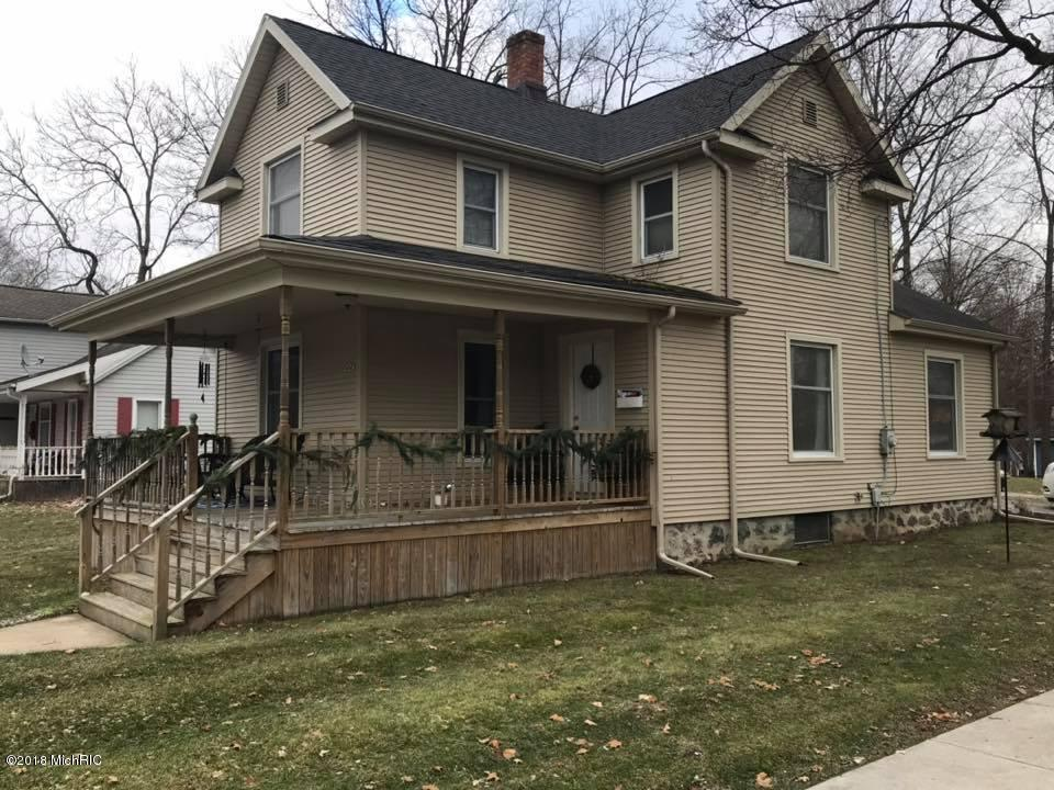 224 Bacon Street, Hillsdale, Michigan 49242, 3 Bedrooms Bedrooms, ,1 BathroomBathrooms,Residential,For Sale,Bacon,18057947