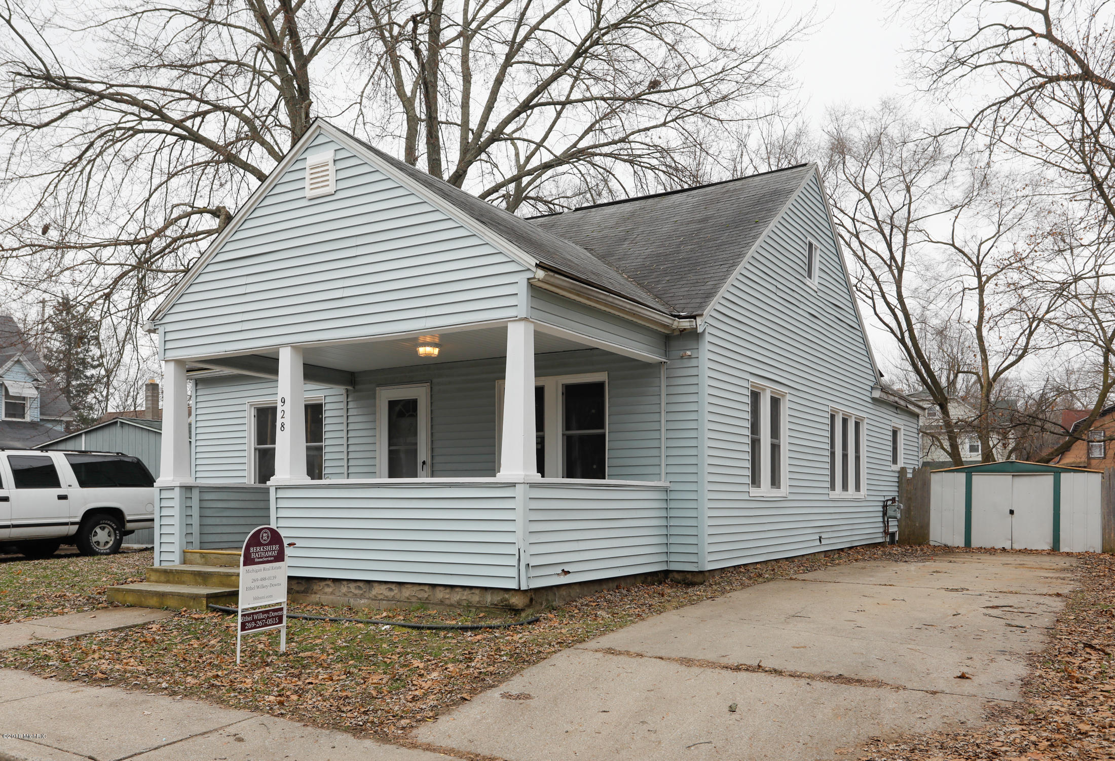 928 Dewey Avenue, Kalamazoo, Michigan 49001, 3 Bedrooms Bedrooms, ,1 BathroomBathrooms,Residential,For Sale,Dewey,18057979