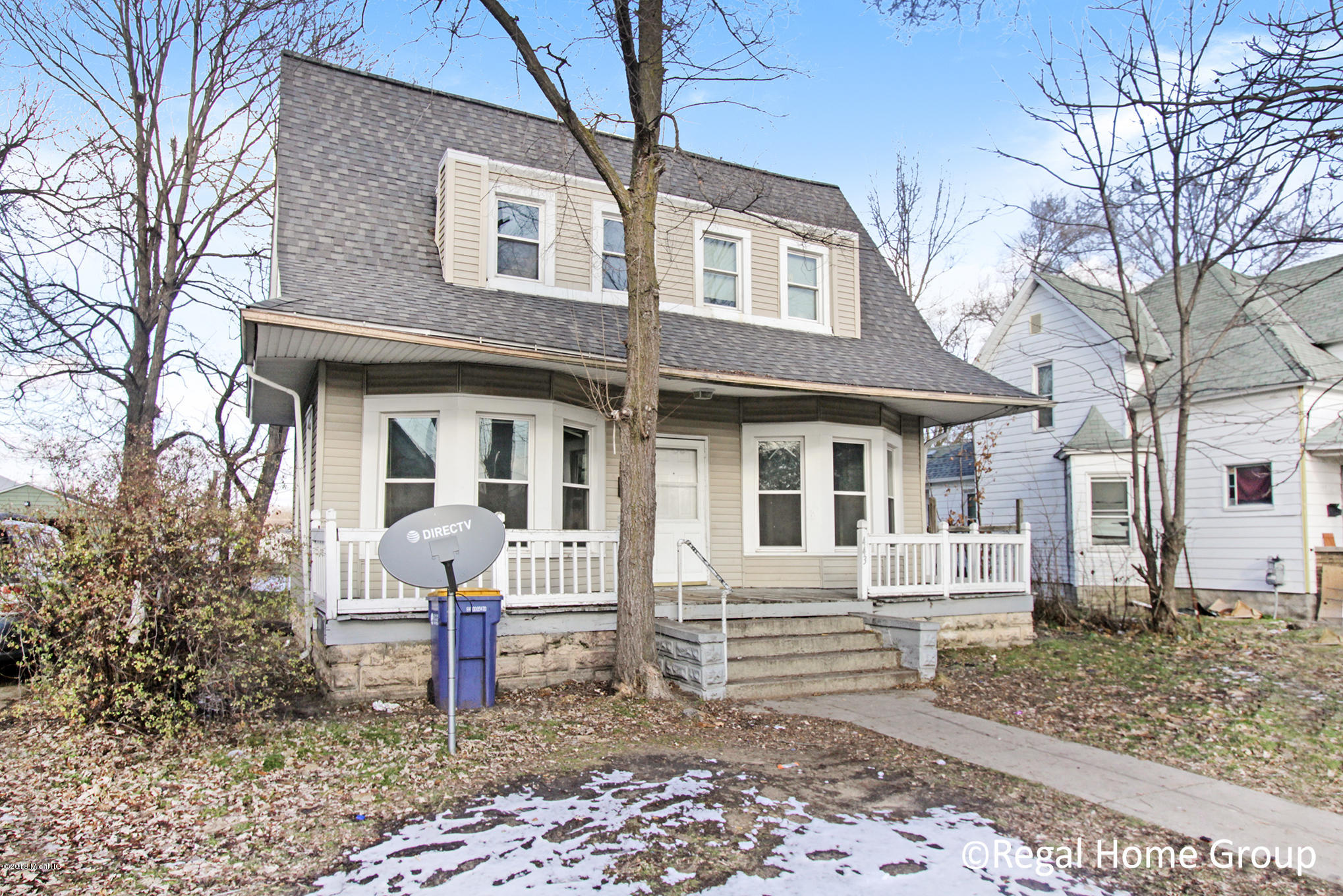 443 Dickinson Street, Grand Rapids, Michigan 49507, 3 Bedrooms Bedrooms, ,2 BathroomsBathrooms,Residential,For Sale,Dickinson,18057985