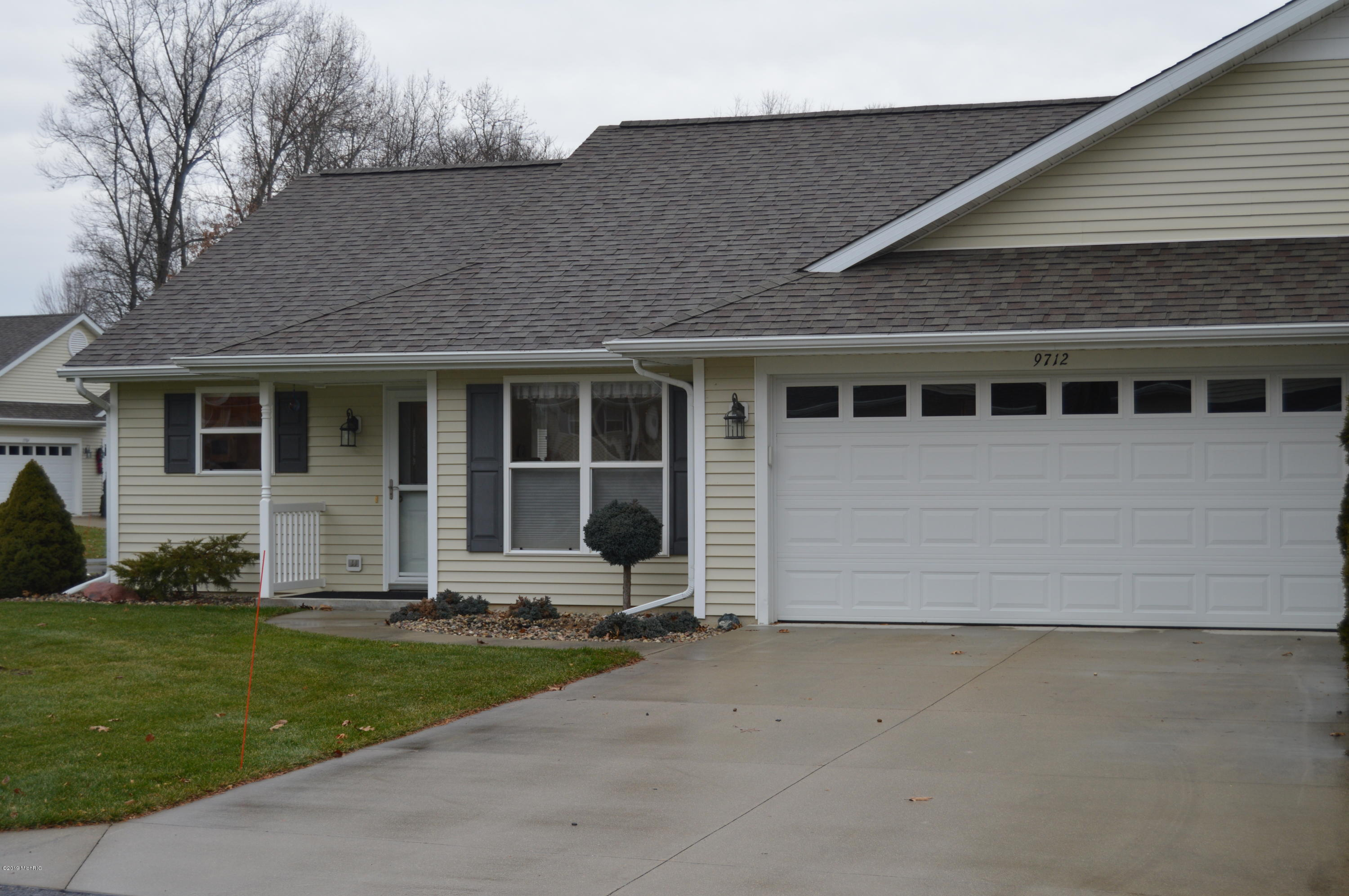 9712 Palmetto Court, Portage, Michigan 49002, 2 Bedrooms Bedrooms, ,2 BathroomsBathrooms,Residential,For Sale,Sterling Oaks South,Palmetto,19001441