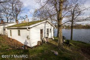 17365 Stevens Forest Lake Cassopolis, MI 49031