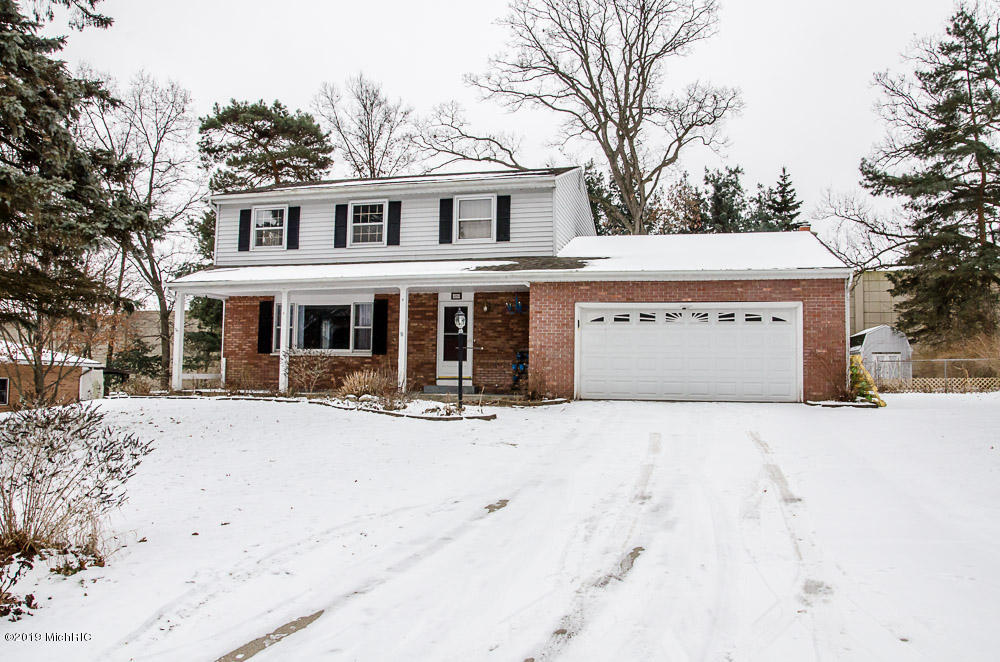 526 Circlewood Dr, Portage, Michigan 49002, 4 Bedrooms Bedrooms, ,2 BathroomsBathrooms,Residential,For Sale,Circlewood Dr,19002536