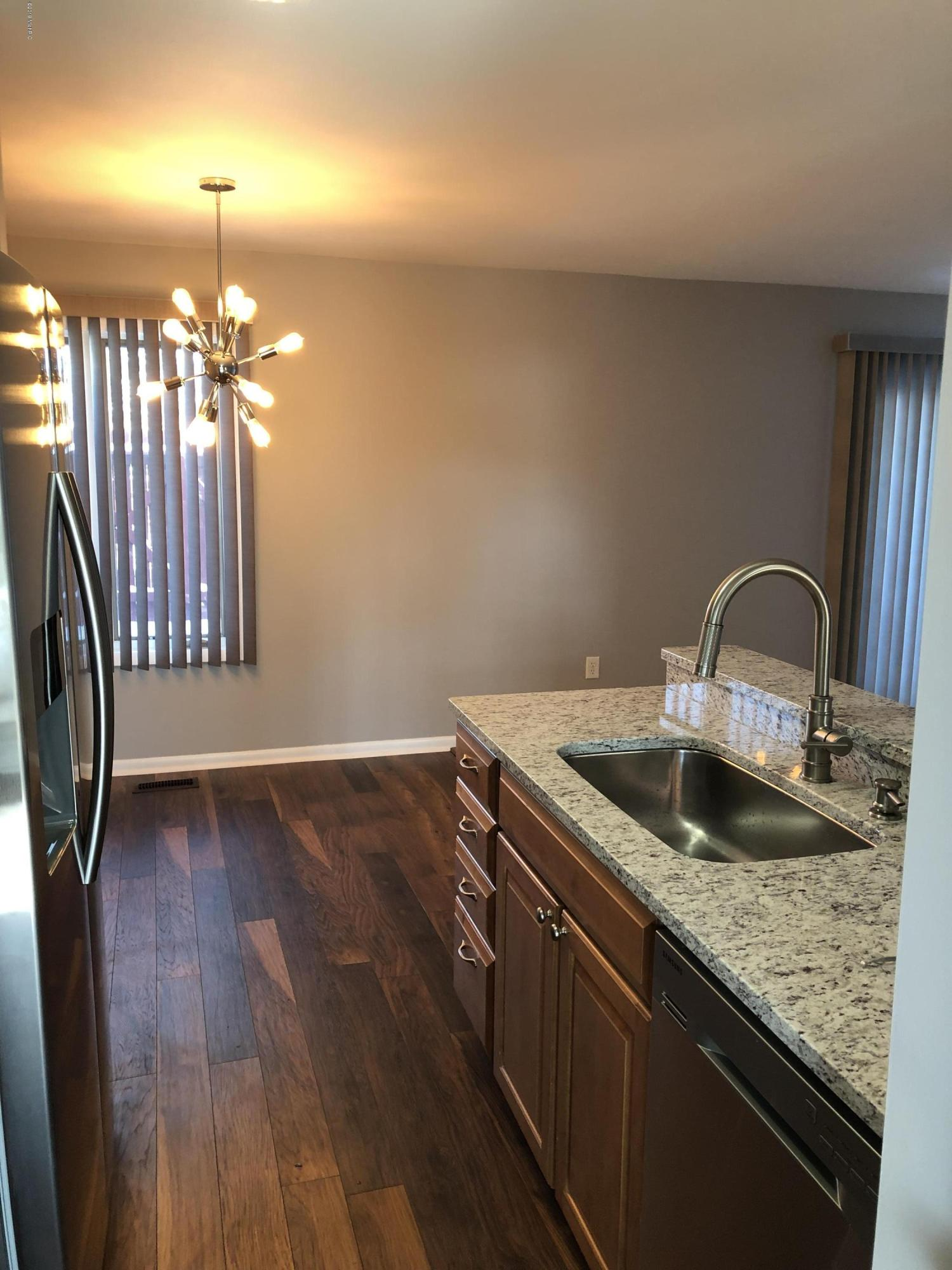 6265 Architrave Drive, Grand Rapids, Michigan 49546, 3 Bedrooms Bedrooms, ,3 BathroomsBathrooms,Residential,For Sale,Forest Hills Condominium,Architrave,19004842
