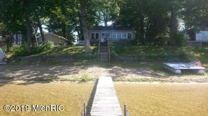 60461 Klett Decatur, MI 49045