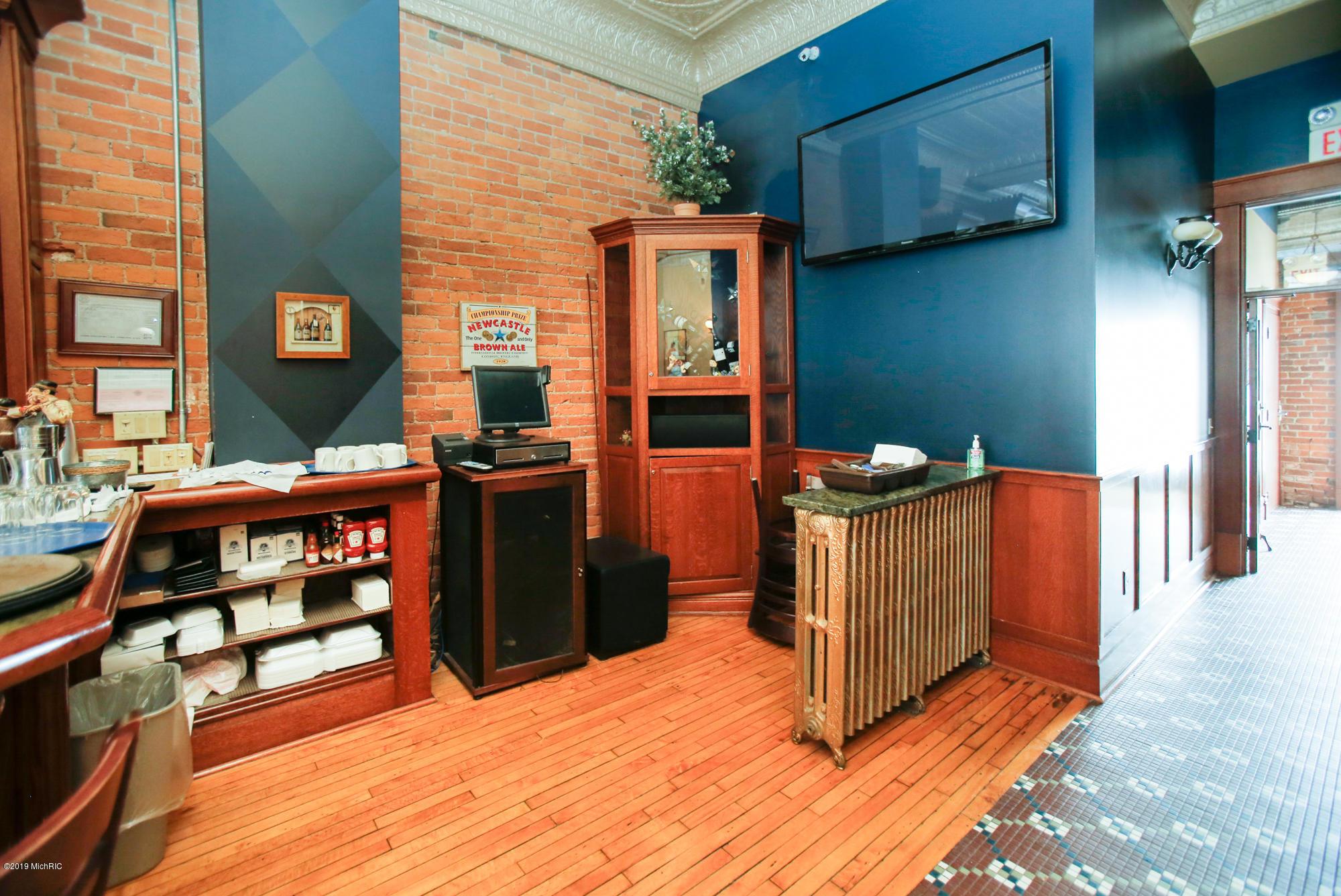 266 Michigan Avenue, Kalamazoo, Michigan 49007, ,Commercial Sale,For Sale,Michigan,19009268