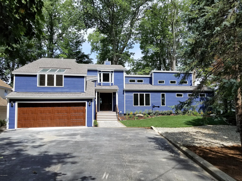 8025 Lakewood Drive