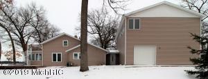 1309 Lakeview Portage, MI 49002