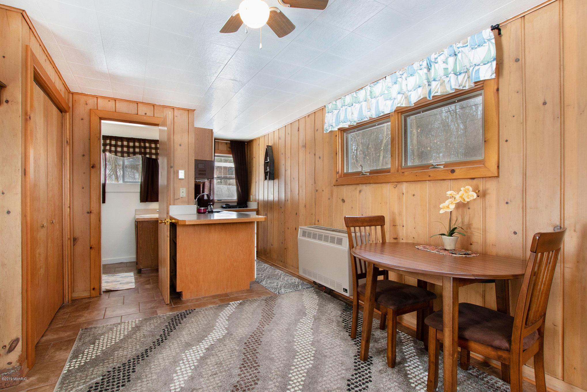 10537 Wildwood Drive, Richland, Michigan 49083, 2 Bedrooms Bedrooms, ,2 BathroomsBathrooms,Residential,For Sale,Wildwood,19008228