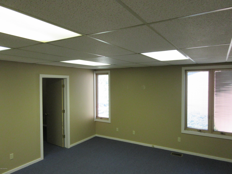 1611 CENTRE Avenue, Portage, Michigan 49024, ,Commercial Lease,For Sale,CENTRE,19009130