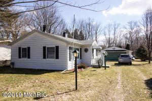 46123 Lakeview Decatur, MI 49045