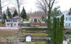 31326 Currans Beach Dowagiac, MI 49047