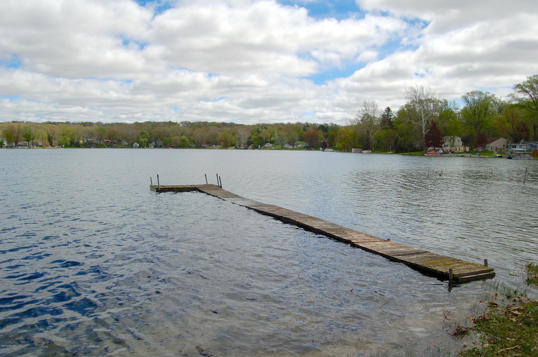 52851 Twin Lake Shore , Dowagiac, MI 49047 Photo 6