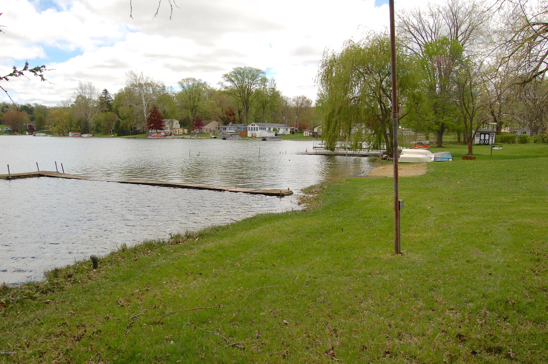 52851 Twin Lake Shore , Dowagiac, MI 49047 Photo 11