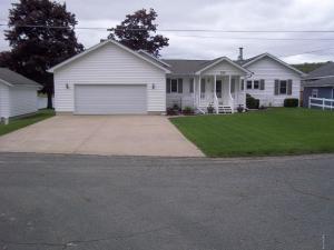 27198 Oak Sturgis, MI 49091