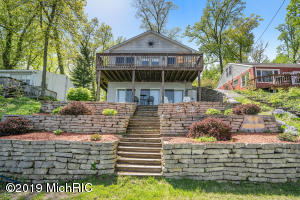 48252 70th Avenue Decatur, MI 49045