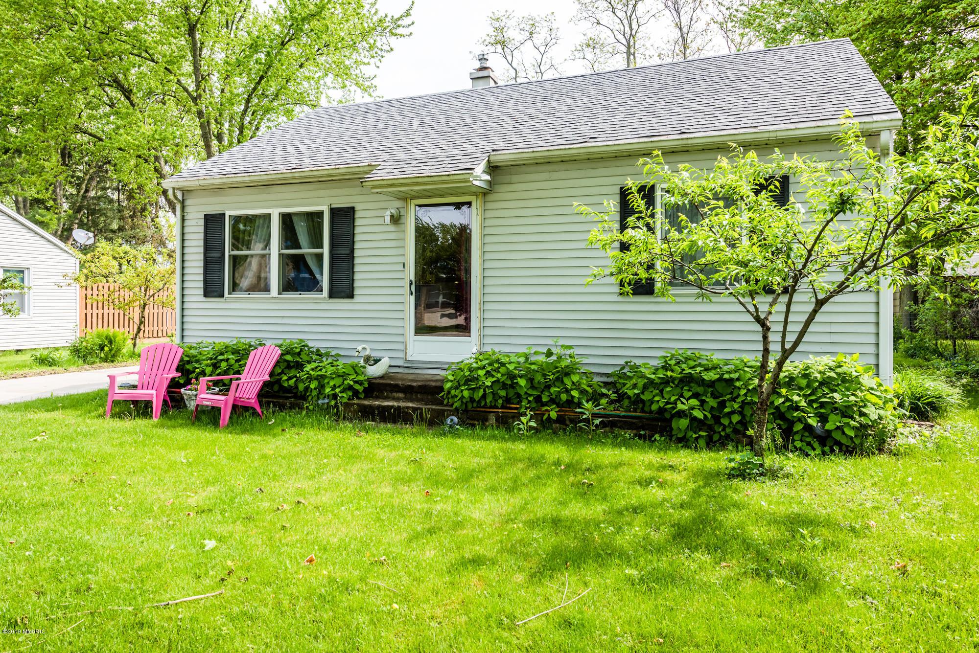 115 Berrien Street, New Buffalo, Michigan 49117, 2 Bedrooms Bedrooms, ,1 BathroomBathrooms,Residential,For Sale,Berrien,19023013