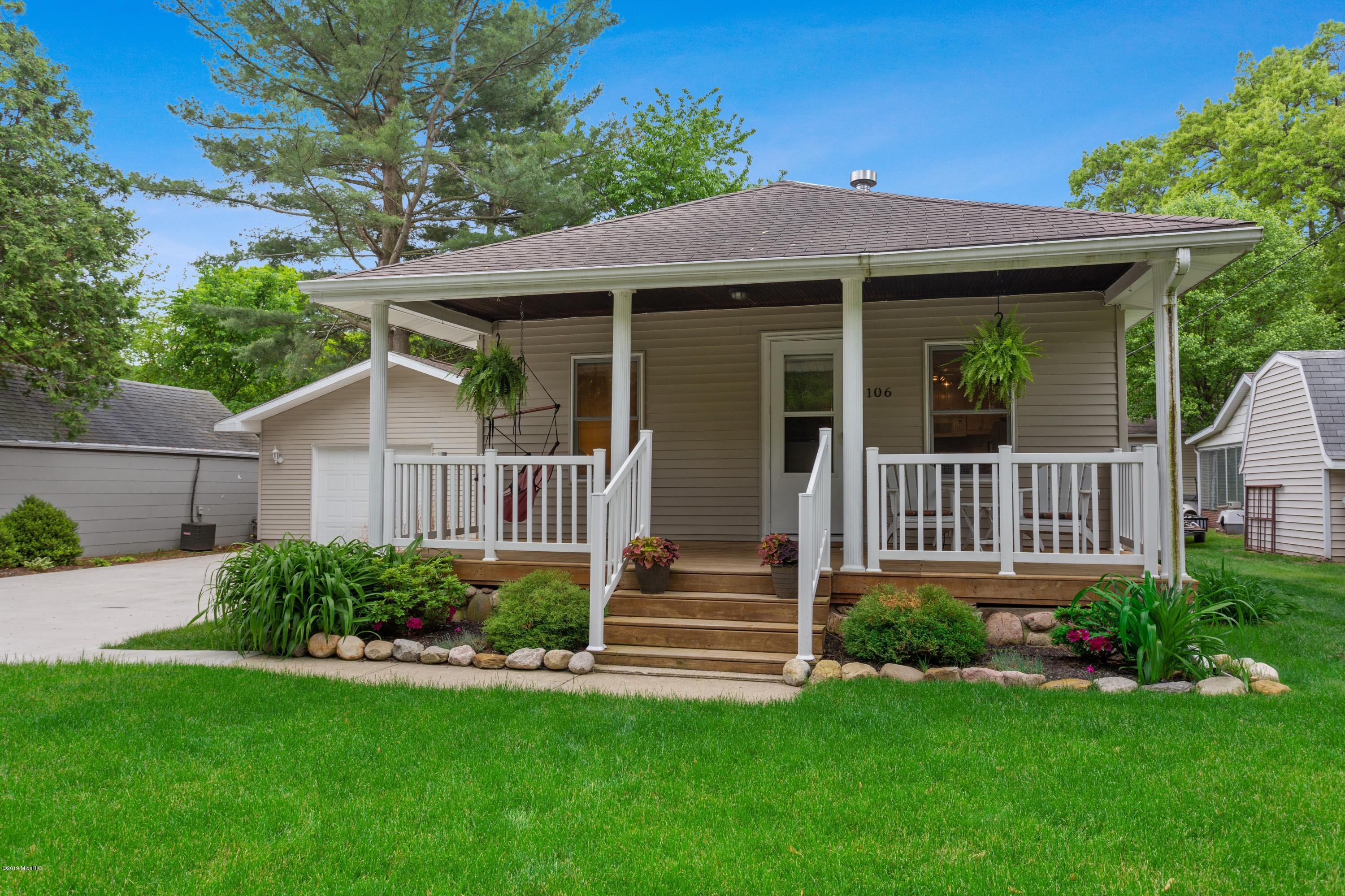 106 Taylor Street, New Buffalo, Michigan 49117, 2 Bedrooms Bedrooms, ,1 BathroomBathrooms,Residential,For Sale,Taylor,19023974
