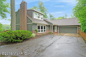 Property for sale at 2793 Cascade Springs Drive, Grand Rapids,  Michigan 49546