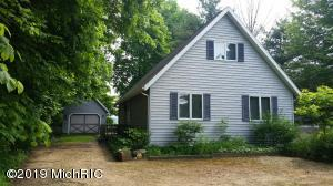 46025 CR 352 Decatur, MI 49045