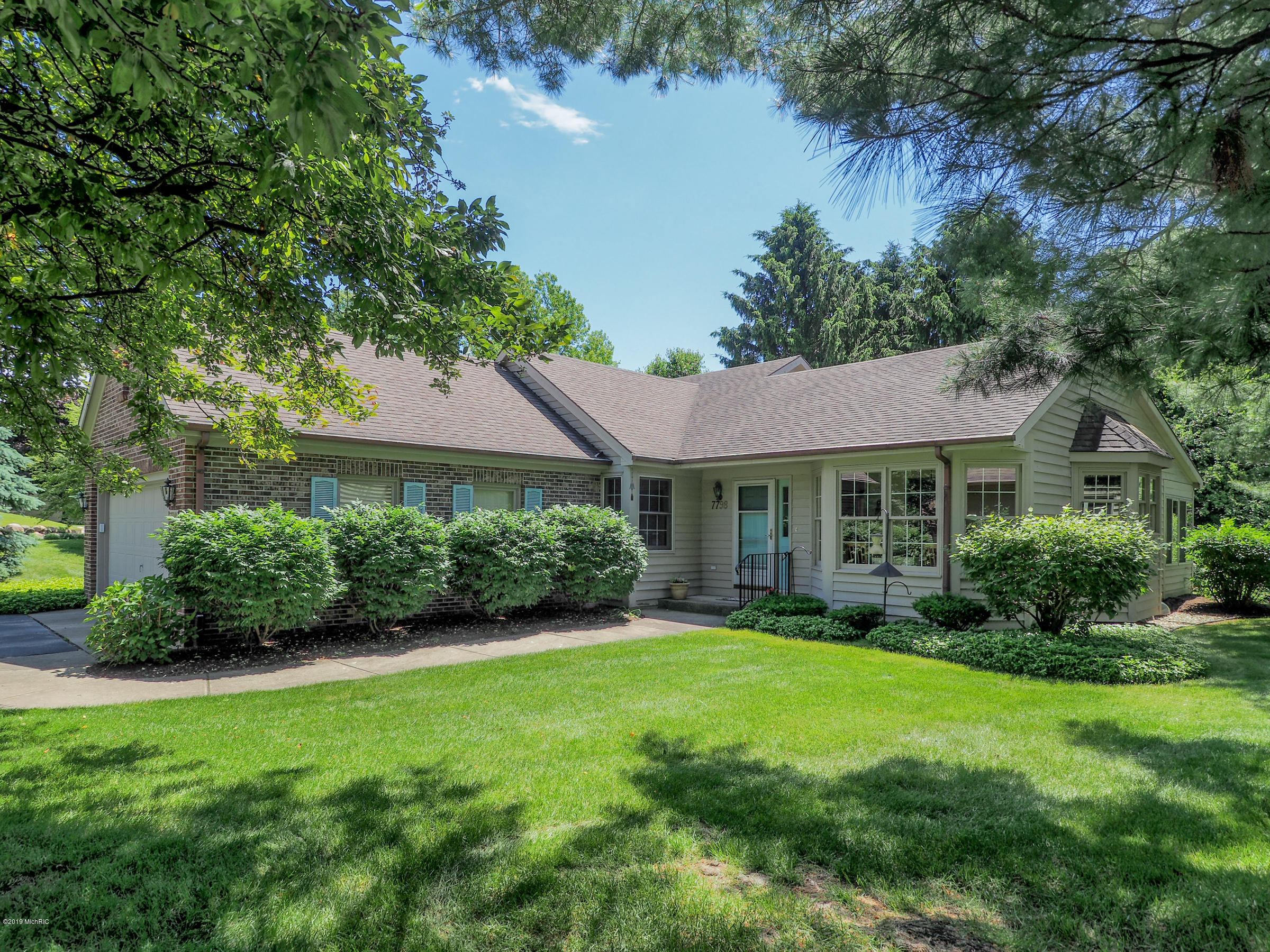 7798 St Andrews Circle, Portage, Michigan 49024, 2 Bedrooms Bedrooms, ,2 BathroomsBathrooms,Residential,For Sale,St Andrews,19027206