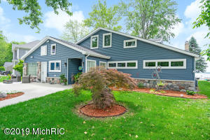 Property for sale at 11299 Oakleigh Drive, Middleville,  Michigan 49333