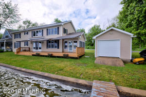 10769 Gun Lake Middleville, MI 49333