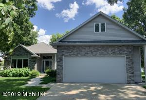 541 Shady Oaks Dr Coldwater, MI 49036