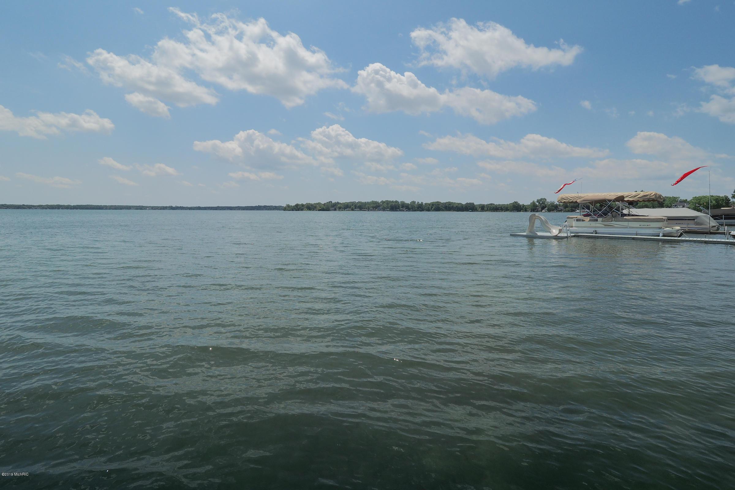2630 E Shore , Portage, MI 49002 Photo 4