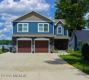 2015 Lakeview Portage, MI 49002