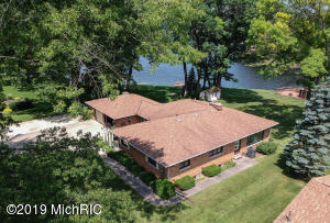Property for sale at 15511 Oak Drive, Spring Lake,  Michigan 49456
