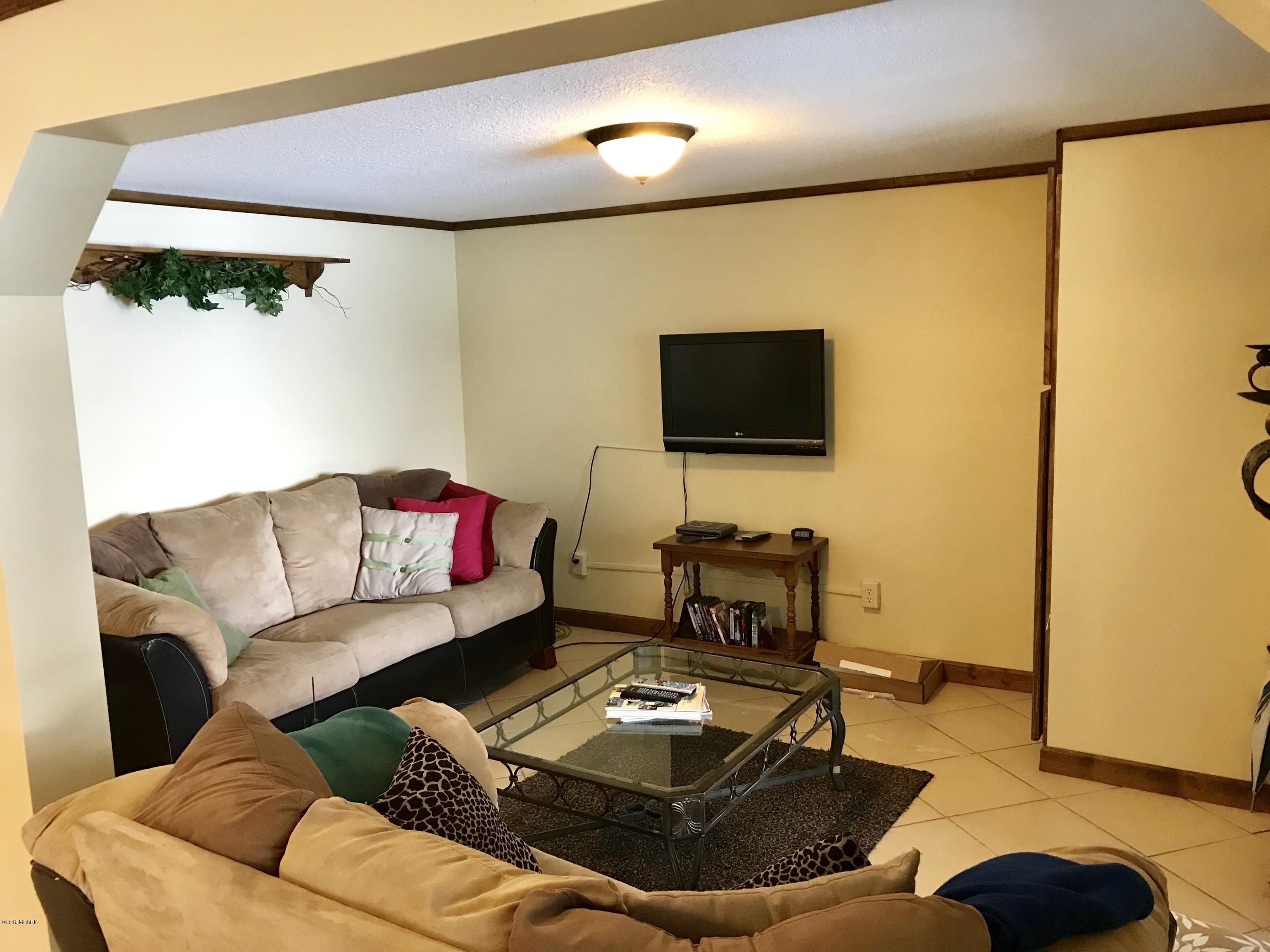 20189 Dogwood , White Pigeon, MI 49099 Photo 14