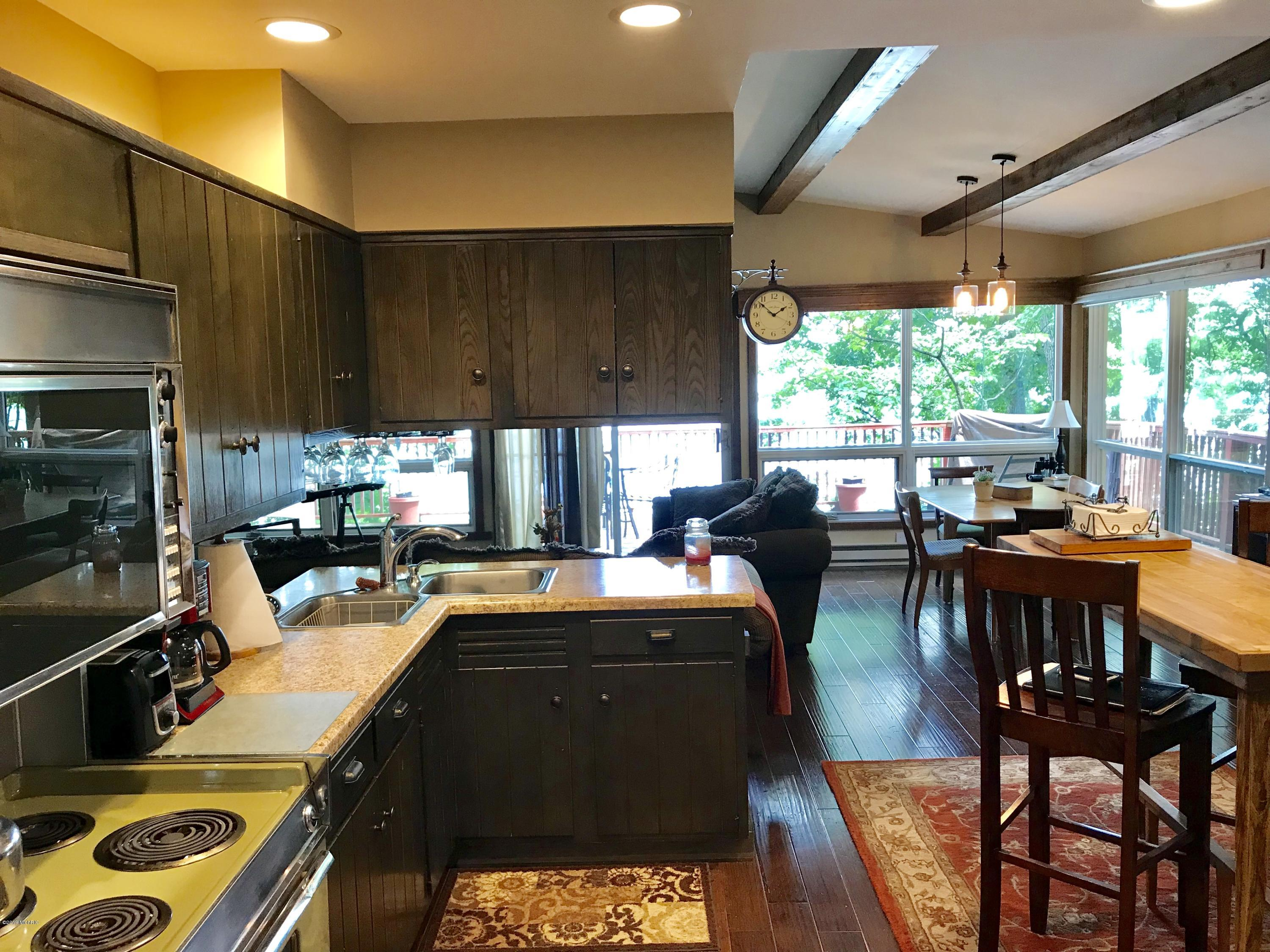 20189 Dogwood , White Pigeon, MI 49099 Photo 4