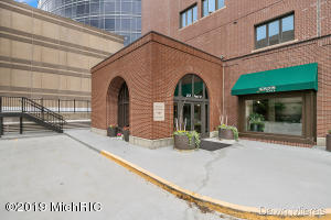Property for sale at 252 Pearl Street Unit 5A, Grand Rapids,  Michigan 49503