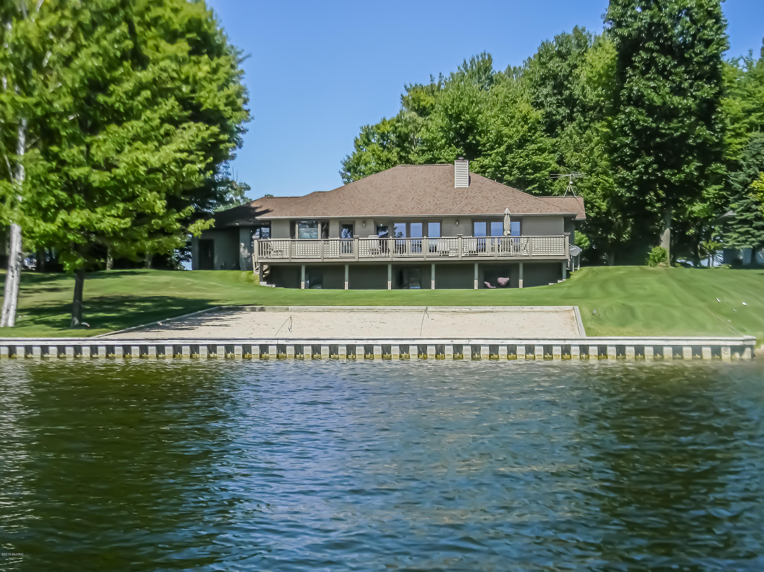 Tremendous Canadian Lakes Mi Real Estate Listings And Canadian Lakes Beutiful Home Inspiration Semekurdistantinfo