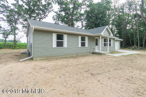 20282 Groveland Three Rivers, MI 49093
