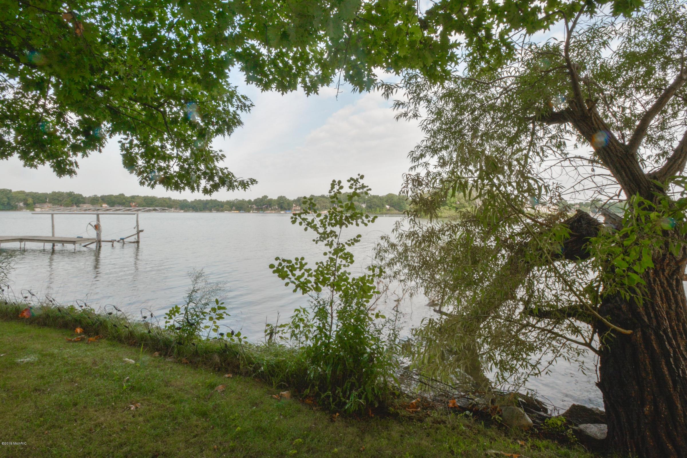 567 Breezy Bluff , Battle Creek, MI 49015 Photo 35