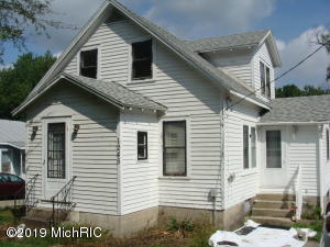 Property for sale at 1245 E Riverside Dr Drive, Ionia,  Michigan 48846